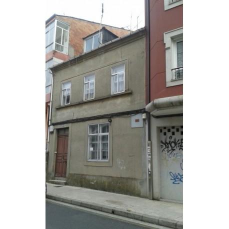 Casa para reformar en Lugo.